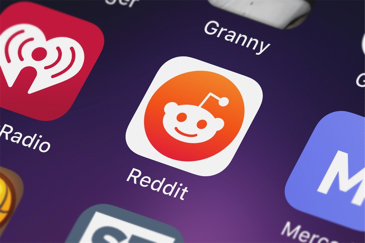 Mobile app icon of Reddit, a valuable marketing platform